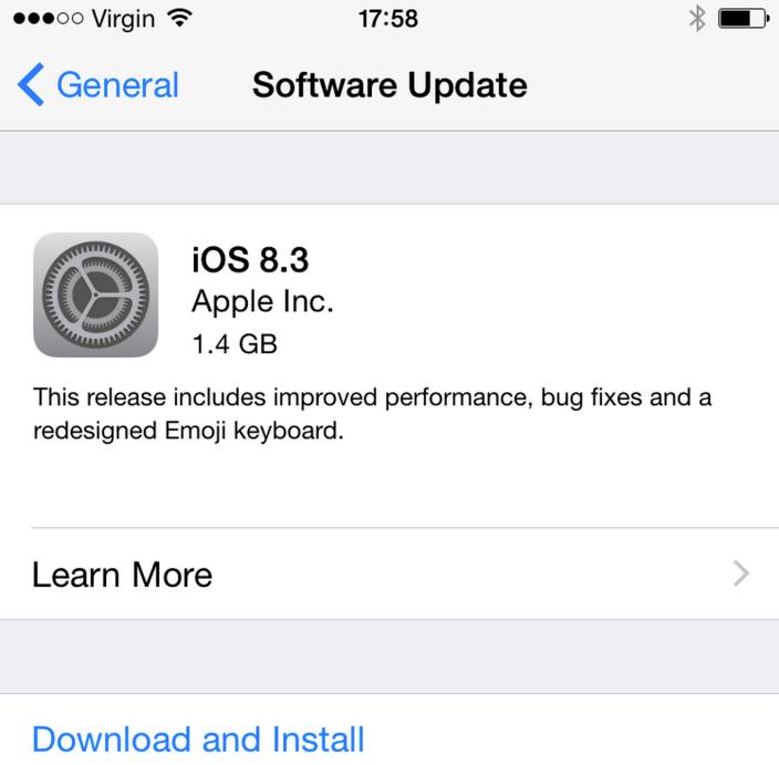 디자인이 새로워진 이모티콘 키보드를 포함한 iOS 8.3 업데이트 제공.