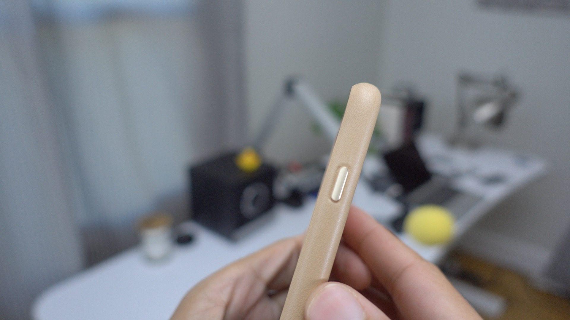 iphone-7-plus-leather-case-tan-08