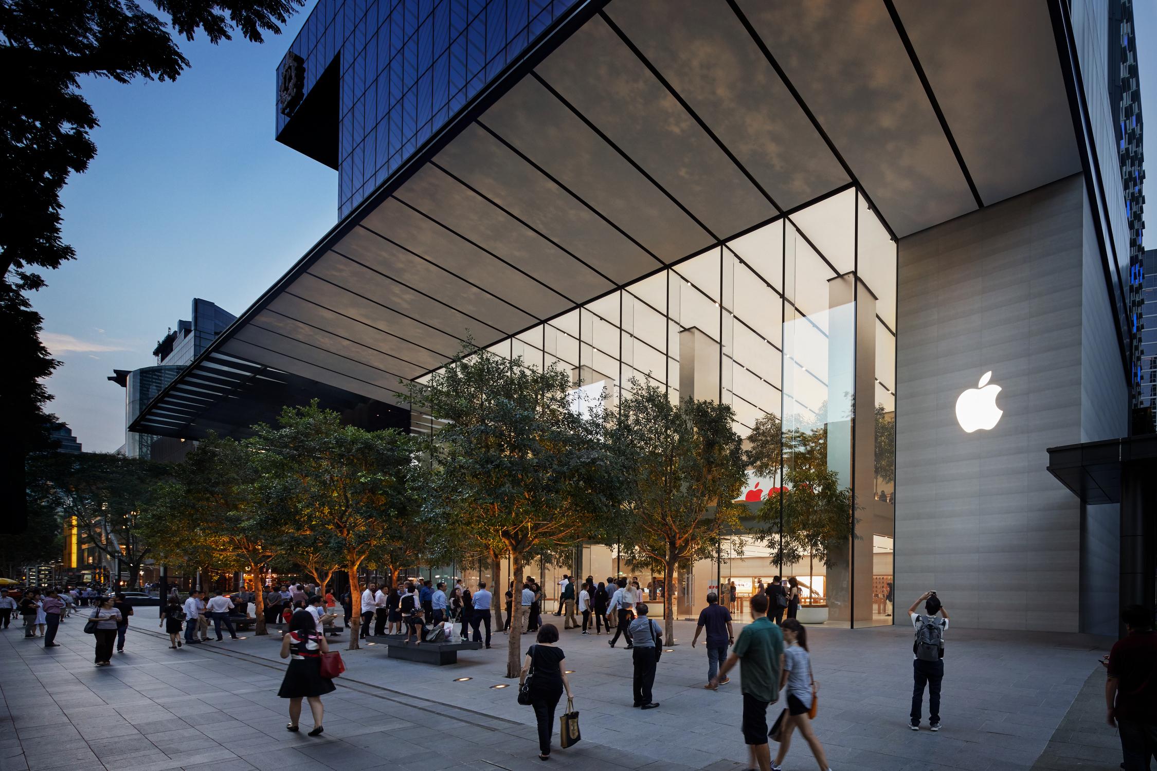 싱가포르 직영점 Apple Orchard Road 오픈